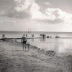 13. Badstranden vid Ljungdals brygga 1945