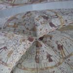 En av Elmelundes kyrkas vackra takmålningar.